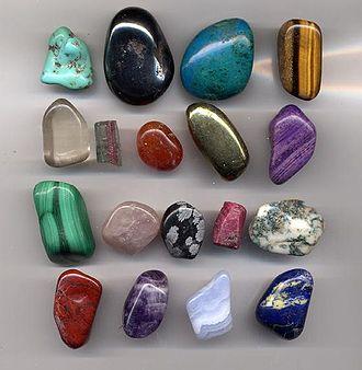 330px Gem.pebbles.800pix